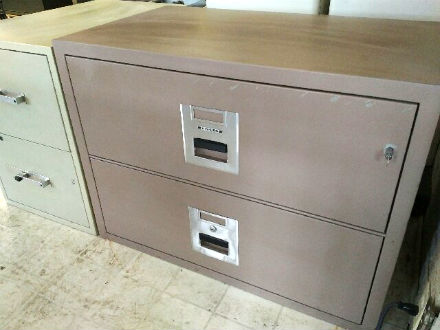 Chubb 2 drawer lateral file with lock