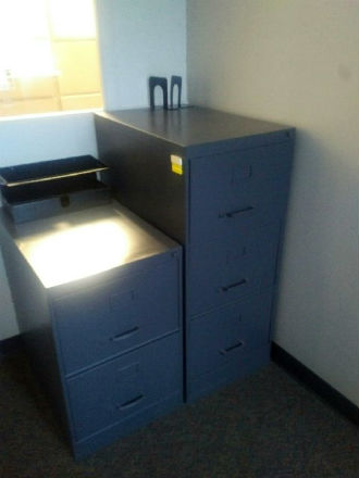 SUNAR 3 DRAWER LEGAL FILES W/LOCK