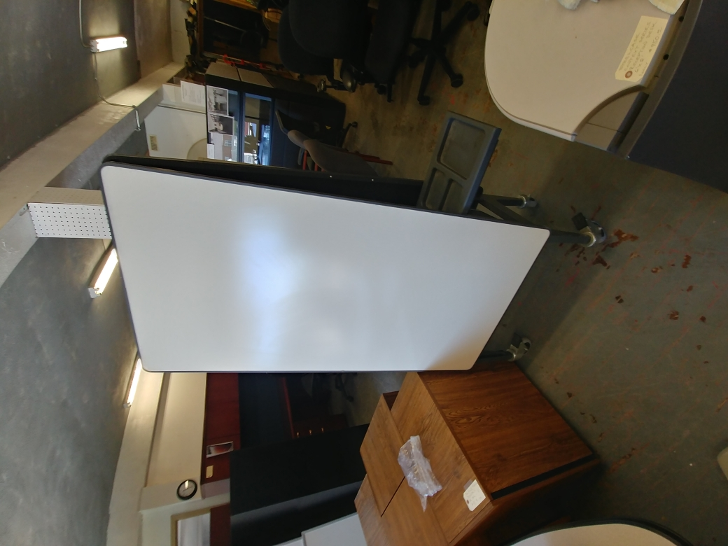 MOBILE WHITE BOARD UNIT