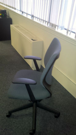 QUALITY TASK CHAIR , GREY FABRIC.