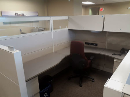TEKNION PANEL WORKSTATIONS LIKE NEW