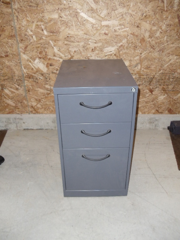 Free standing pedestal - file file unit