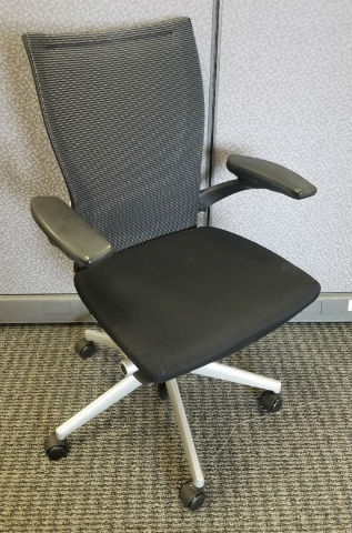 "Haworth "" VERY "" Series task chair"